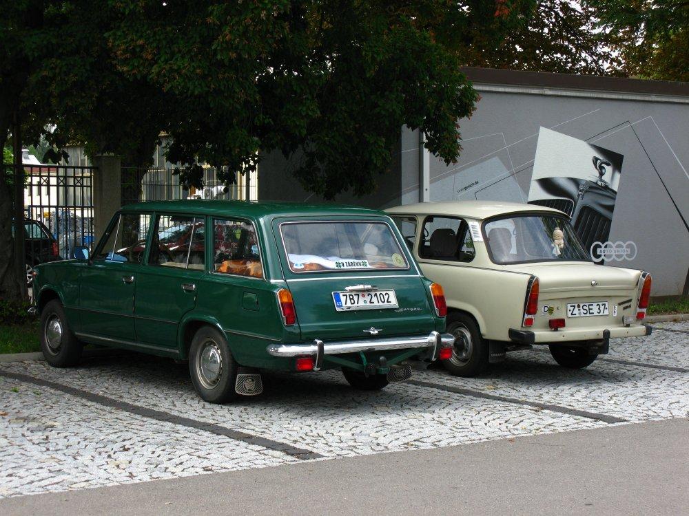 Na parkovišti u muzea Augusta Horcha ve Zwickau